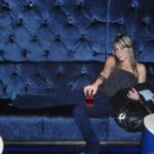 Monica Sanchez B.'s avatar