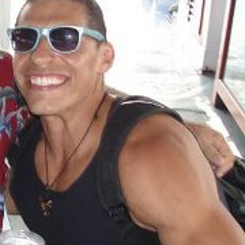 Raul Aguilera's avatar