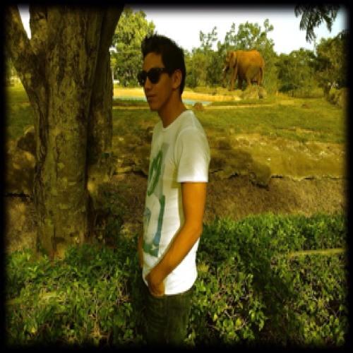 yoyi c's avatar