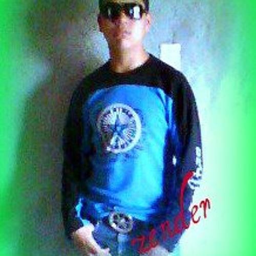 DJ zender *'s avatar