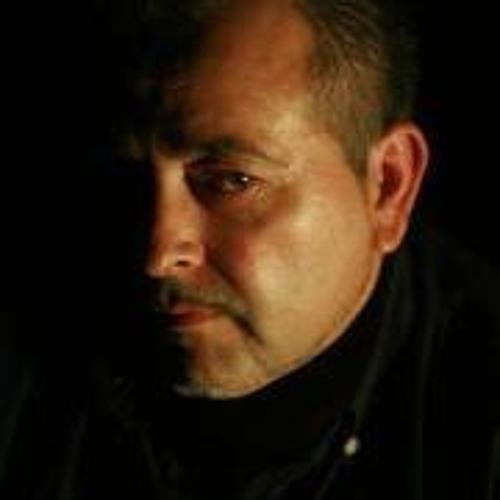 Julian Parra's avatar
