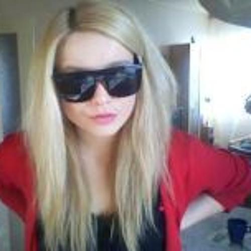 Denisa Sramkova's avatar