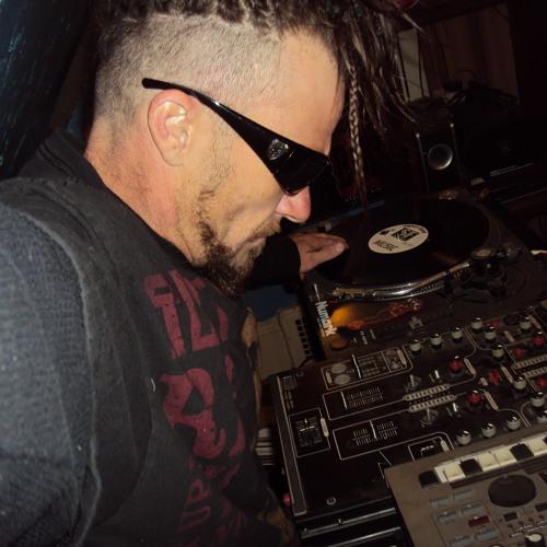 DJ One Homie(A.K.A) Loco's avatar