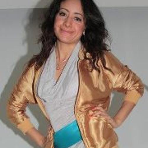 Ana Lorenzo's avatar