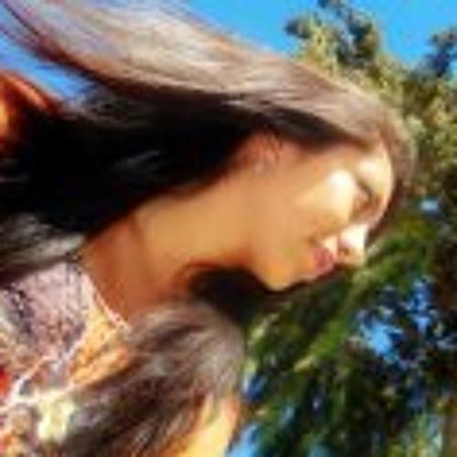 Diana Fernández T's avatar