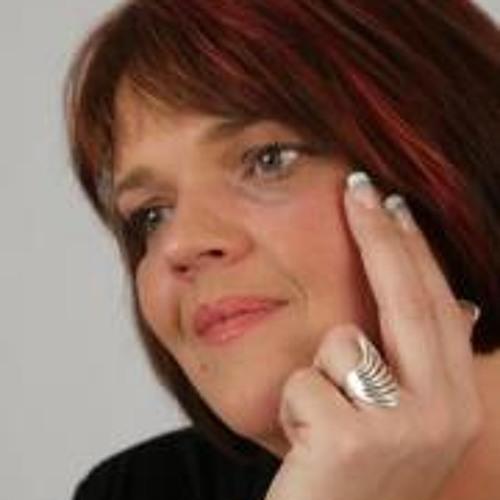 Claudia Buhrmann's avatar