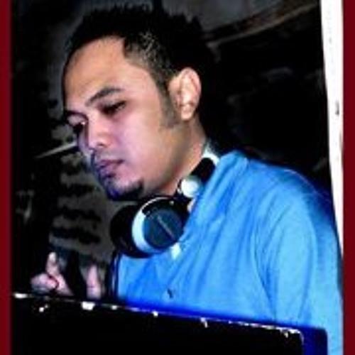 DavidNaga's avatar
