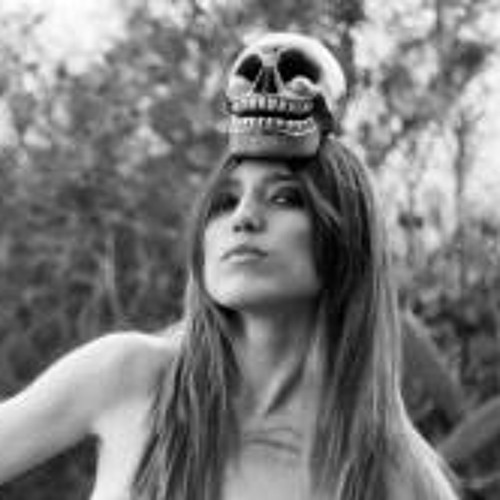 Marta Alegre Miente's avatar