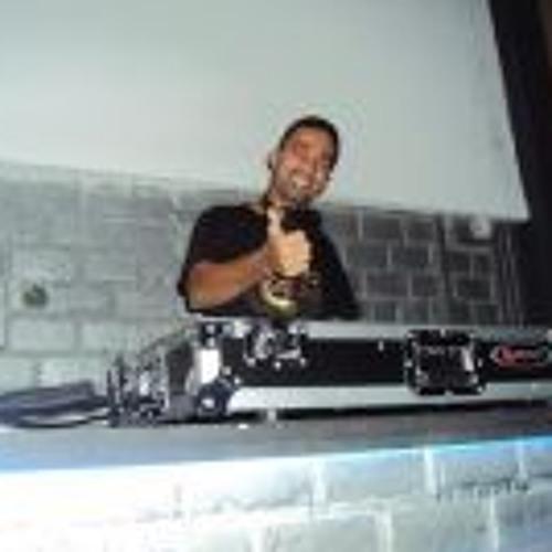 Adriano Oliveira 4's avatar