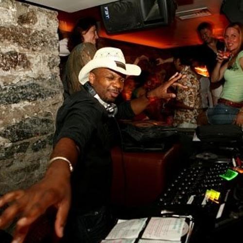 DJ Etienne DeYans's avatar