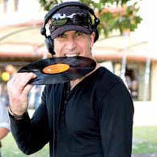 Mario Tavelli's avatar