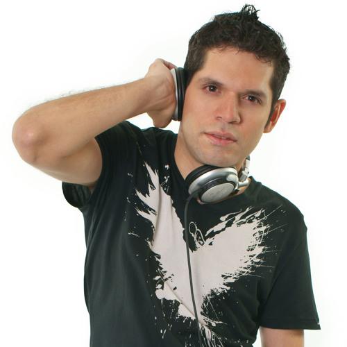 Milton Mora's avatar