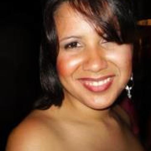 Alexandra B. Dos Santos's avatar