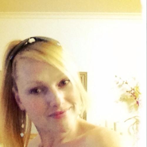 Juliee35's avatar