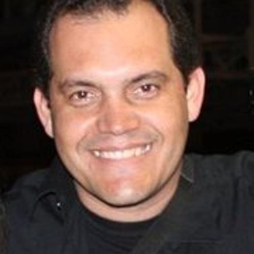 Max Valadares's avatar