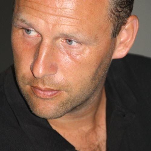 DJ Rieks's avatar