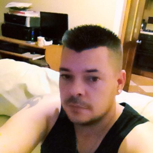 gizzy76's avatar