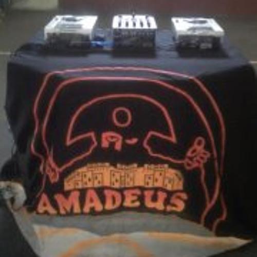Concepto Amadeus Leyenda's avatar