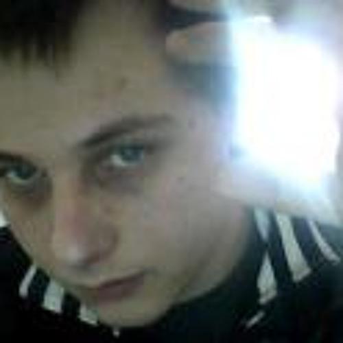 Ced===-_-===='s avatar