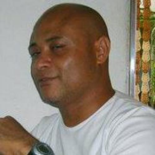 Gilberto Alves's avatar