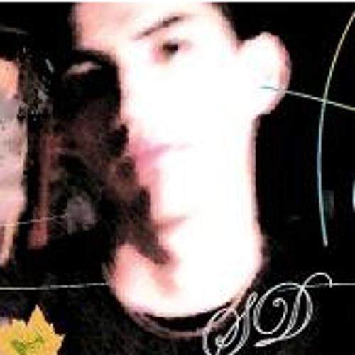 Carlos Dávila's avatar