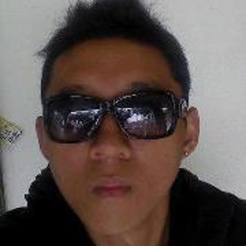 Yang  Boom's avatar