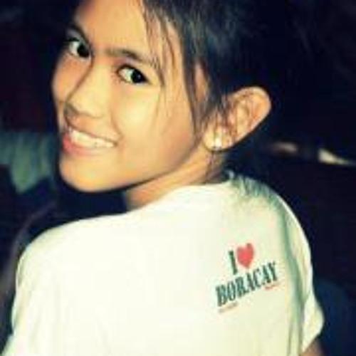 Andrea Yalong's avatar