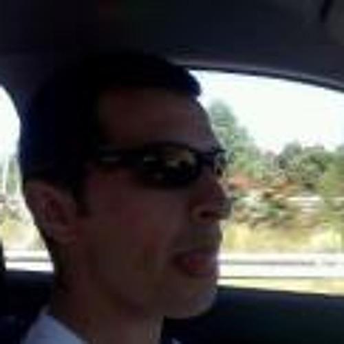 Julio Quintial's avatar