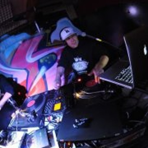 Dj Adverse's avatar