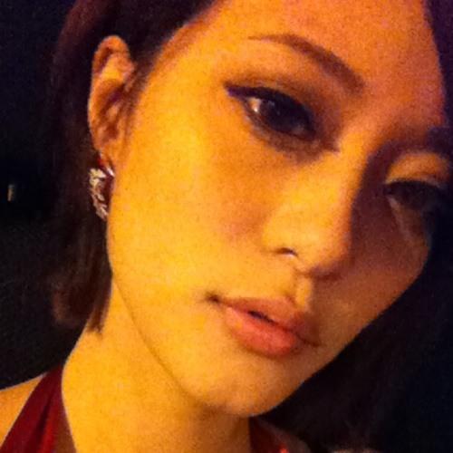 Alizz POi's avatar