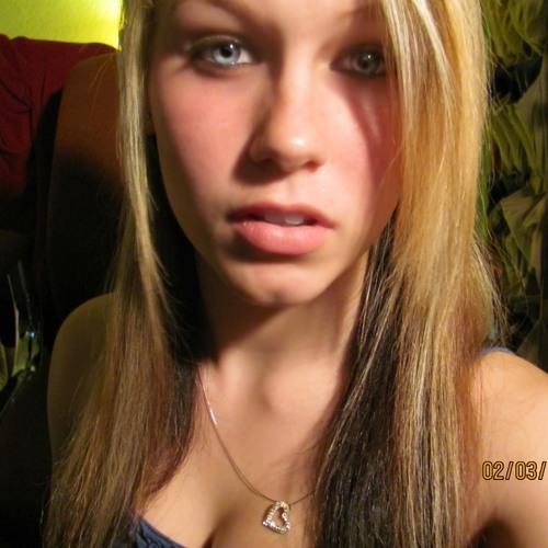 Rachel Elizabeth's avatar