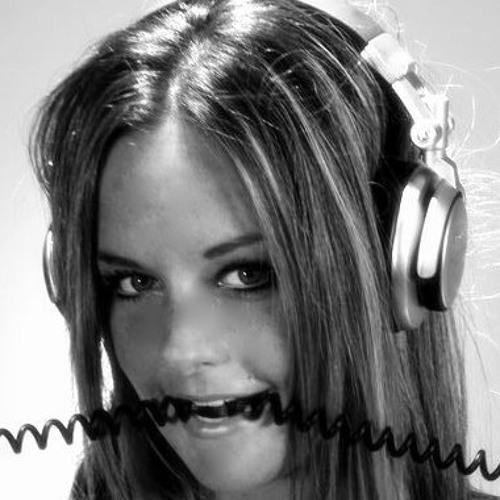lyndsdeee's avatar