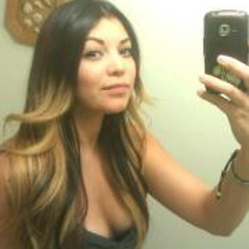 Perla Pintado's avatar