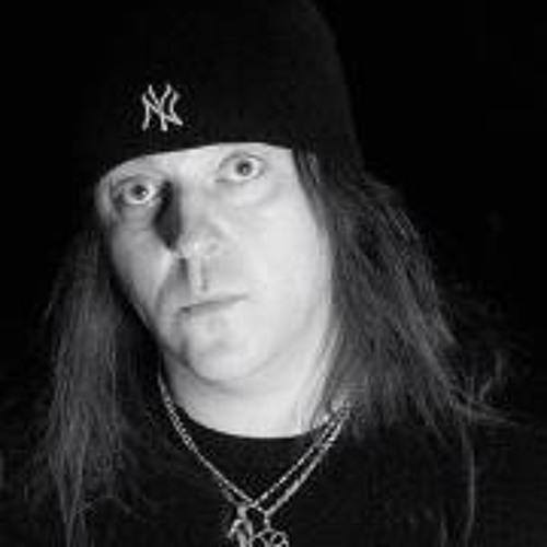 Chris Gyngell's avatar