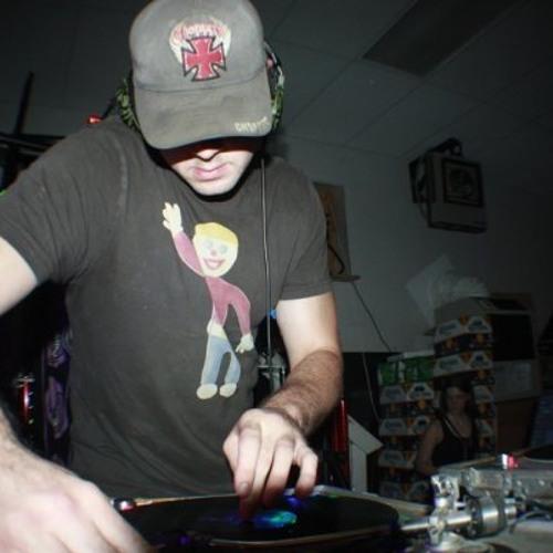 DJ 100%'s avatar
