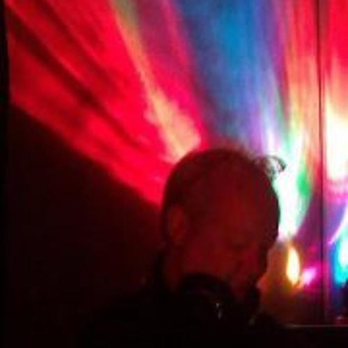 Chris Ewen 1's avatar