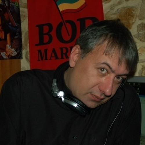 dj leonidas's avatar