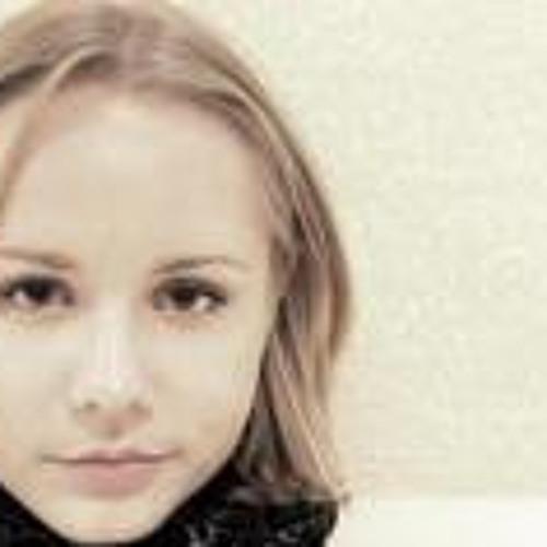 Dana Oleinic's avatar