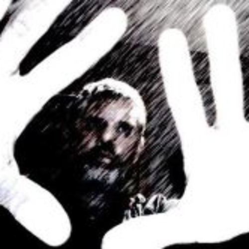 Neil Thomas 4's avatar
