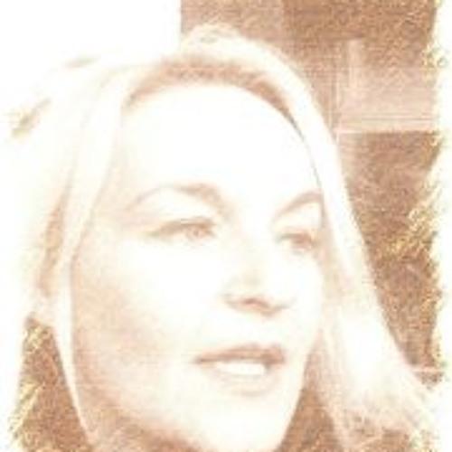 Angela Knies's avatar
