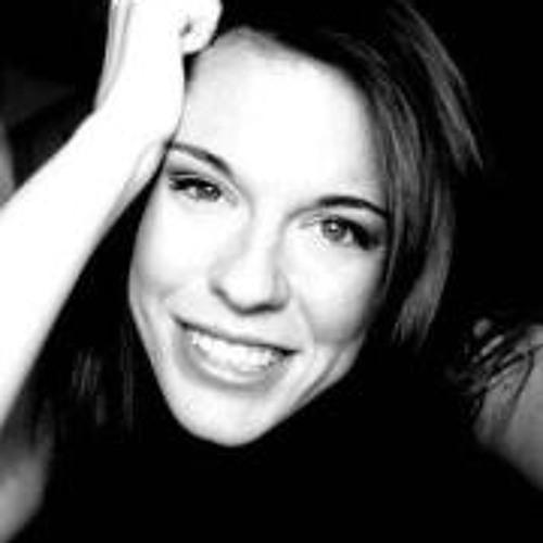 Hollie Ross's avatar