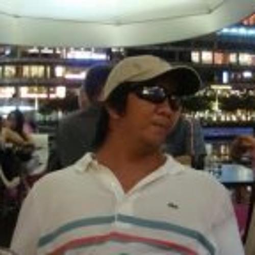 markcaparas's avatar