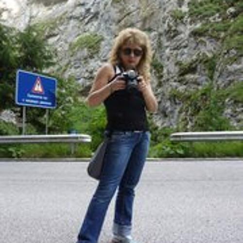 Alice Mineva's avatar