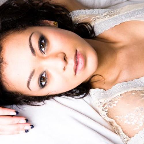 Cleo Amore's avatar