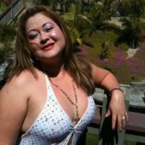Luz Bushfield's avatar