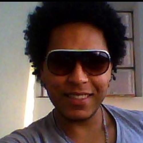 Hugo Santana's avatar