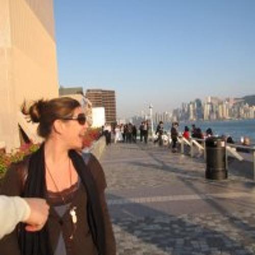 Emeline Calzas's avatar