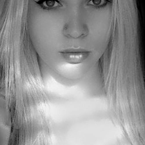 MollieVesper's avatar