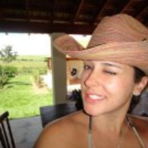 Giovana Nadaleto's avatar