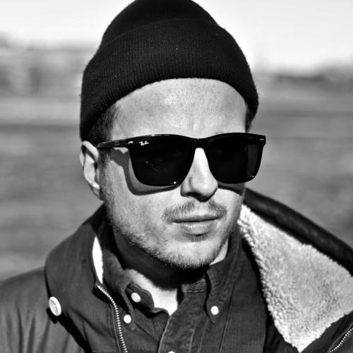 DJ Hassan's avatar
